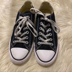 Unisex Converse sneakers!